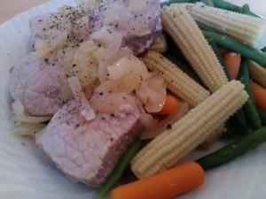 Svin, løk og grønnsaker